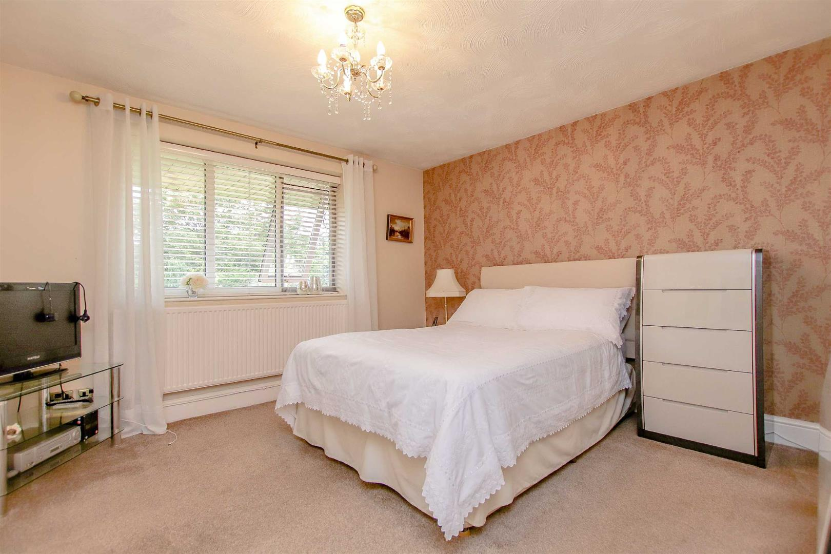 3 Bedroom Detached Bungalow For Sale - Image 6